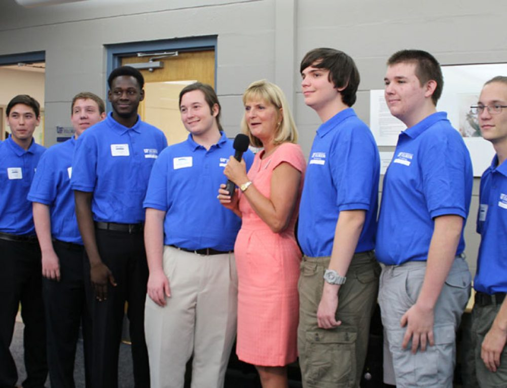 Engineering Students Attend Unveiling of Gator Den at SCF